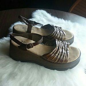 Mudd Alfred Platform Sandals